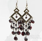 Vintage Boucles d'oreilles style long conception Garnet assorties