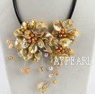 Wholesale beautiful 17.7 inches gold pearl and shell flower necklace