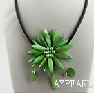 17.7 inches green shell flower pearl necklace with magnetic clasp