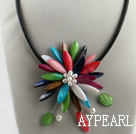 Discount 17.7 inches multi color shell flower pearl necklace with magnetic clasp