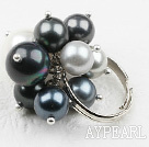Classic Design Black and White Seashell Beads Adjustable Ring