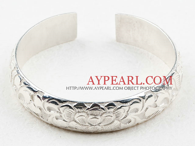 Classic Design Sterling Silver(99.9% Silver) Bangle (With the Partern of Beautiful Flower)