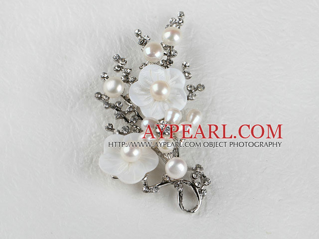 sparkly white pearl flower brooch with rhinestone