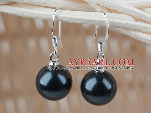 Classic Design Round 10mm Black Seashell Beads Earrings
