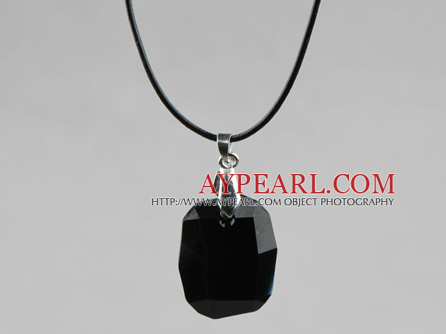 Simple Style 28mm Black Austrian Crystal Rounded Rectangle Pendant Necklace
