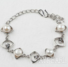 Fashion Style White Freshwater Pearl Horse Eye Shape Metal Bracelet with Adjustable Chain