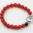 Classic Design 8mm Red Carnelian Beaded Elastisk Bangle Bracelet med S990 Sterling Silver Fish Tilbehør