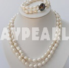 Wholesale double strand white pearl necklace and bracelet set with abalone clasp