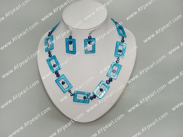 Fashion Freshwater Pearl And Rectangle Shell Necklace And Earrings Set