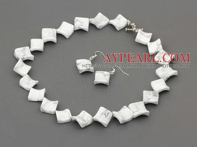18.5 inches howlite necklace with matched earrings