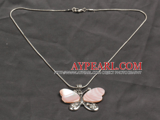 Classic Design Pink Shell Butterfly Shape Pendant Necklace with Metal Chain