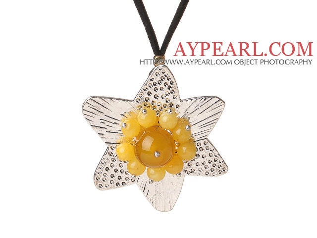 New Lovely Simple Style Tibet Silver Pendant Necklace with Agate and Yellow Jade Flower Heart