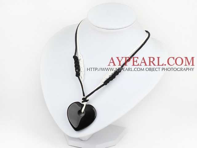 black agate heart pendant with extendable chain
