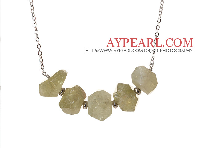 Cool Simple Style Irregular Shape Green Garnet Necklace with Alloyed Chain