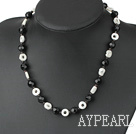 Wholesale Elegant Round Garnet Black Crystal And White Lip Shell Strand Necklace
