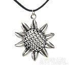 Wholesale lovely 17.7 inches sunflower pendant necklace with extendable chain