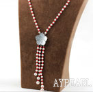 Assorted Round White Pearl og Red Coral Y Shape Tassel halskjede