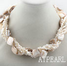 Multi Strands Hvit Freshwater Pearl and White Shell Twisted halskjede