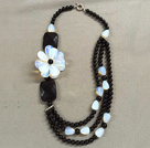 Oval Shape Blå Agate and White Ferskvann Pearl Necklace med Moonlight Clasp