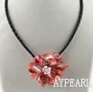 Enkelt Piece Red Pearl Shell Flower halskjede
