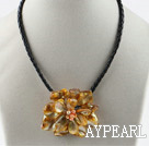 Wholesale Single Piece Orange Pearl Shell Flower Necklace
