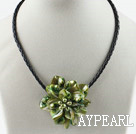 Single Piece Green Pearl Shell Flower Necklace