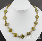 Wholesale trendy brown pearl and olive stone necklace