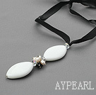 Wholesale Simple Design Pearl and White Porcelain Stone Pendant Necklace