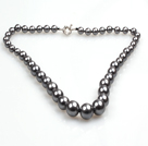 Elegant design Grey Black Seashell Uteksaminert Beaded halskjede