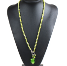 Fashion Simple Style Natural Kelly Green Pearl Necklace with Heart Shape Colored Glaze Pendant