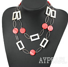 Wholesale fashion long style white and red shell necklace with big matel loops