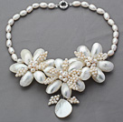 2013 Summer New Design White Freshwater Pearl and White Shell Flower Necklace