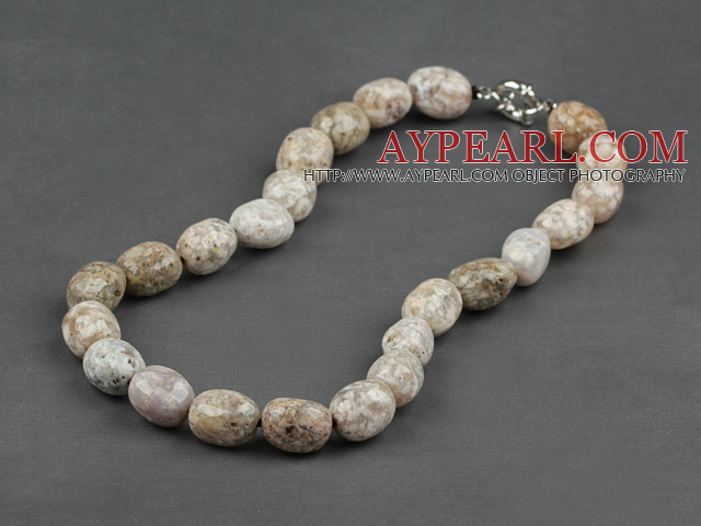 12-16 agate necklace with moonlight clasp