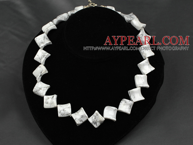 17.5 inches 20mm howlite necklace with toggle clasp