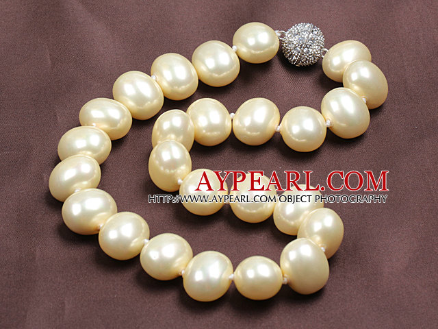 Chunky Big Potato Shape Light Yellow Color Sea Shell Beads Necklace with Magnetic Clasp
