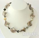 Wholesale 18 inches black lip shell and gray colored glaze necklace with moonlight clasp