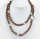 Lang stil Round Brown Color Seashell Beaded halskjede med Rhinestone perler