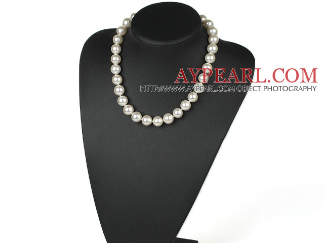 Nice 14Mm White Seashell Beaded Strand Necklace With Moonight Clasp