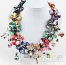 Assorted Multi Color Ferskvann Pearl og Shell Flower partiet halskjede