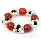 Assorted hvit Freshwater Pearl og Big Red Carnelian Stretch Bracelet