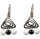 Wholesale Popular Fashion Natural Black Agate And White Porcelain Earrings With Triangular Accessory