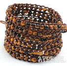 Lang stil 4mm Tiger Eye Wrap Bangle Bracelet med Brown Tråd og Shell Clasp