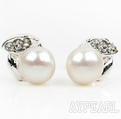 Fashion Style 6-7mm Natural White Freshwater Pearl Studs Earrings with Leaf Shape Rhinestone