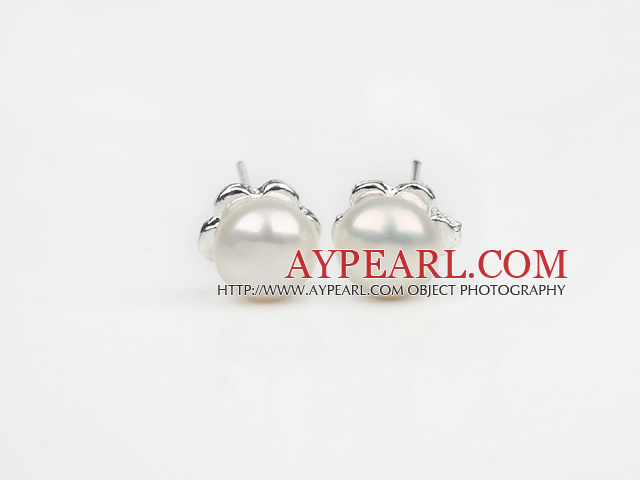 Fashion Style 6-7mm Natural White Freshwater Pearl Studs Earrings with Flower Shape Accessories