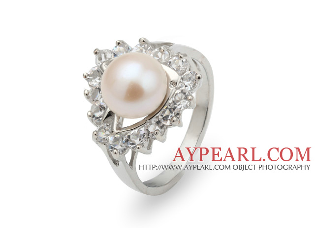 Fashion Natural 8-9mm White Freshwater Pearl Ring With Beautiful Rhinestone And Triangle Charm
