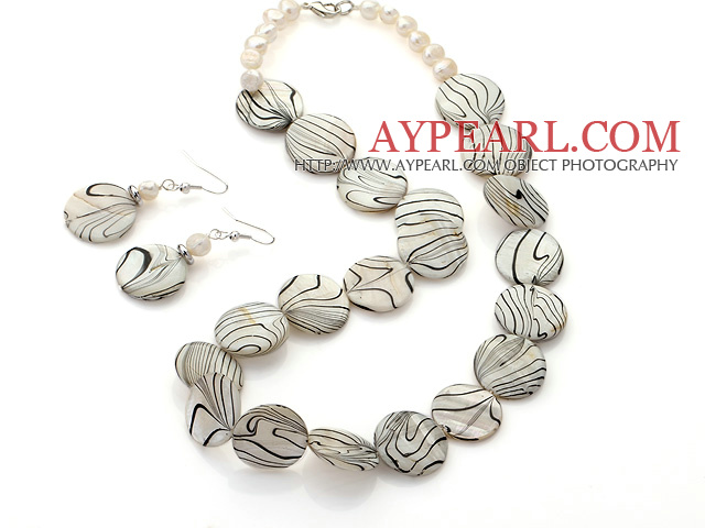Fashion White Series Freshwater Pearl And Round Disc Painted Shell Sets (Necklace With Matched Earrings)