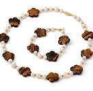 Wholesale Fashion Natural White Freshwater Pearl And Tiger Eye Flower Sets (Necklace With Matched Bracelet)