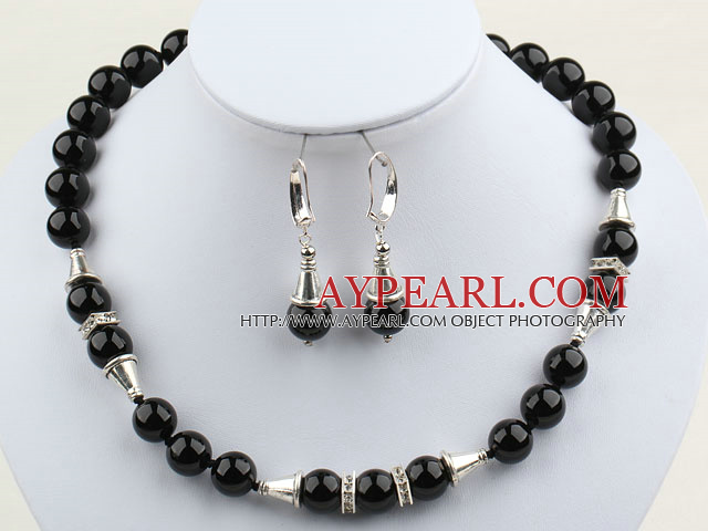 Classic Design 12mm Round Black Agate Set ( Necklace and Matched Earrings )