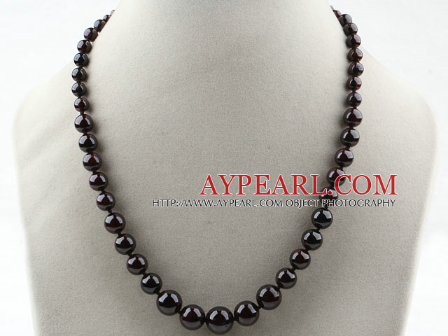 Classic Design Round Garnet Graduated Necklace with Lobster Clasp