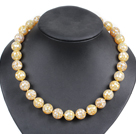 Forme simple brin plat rond coquillages Collier dim.